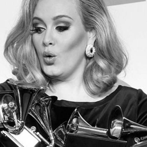 Певица Адель получила шесть «Грэмми»