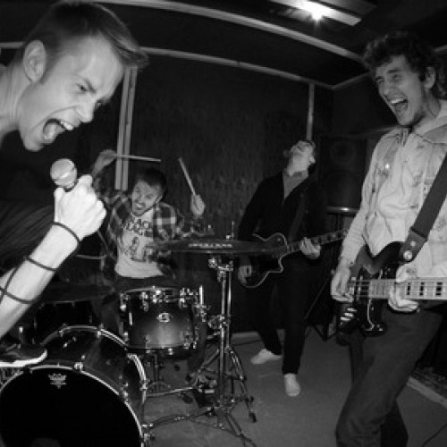 Группа Unsilent будет разогревать Enter Shikari