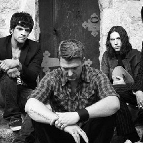 Queens of the Stone Age возобновили работу над новым альбомом