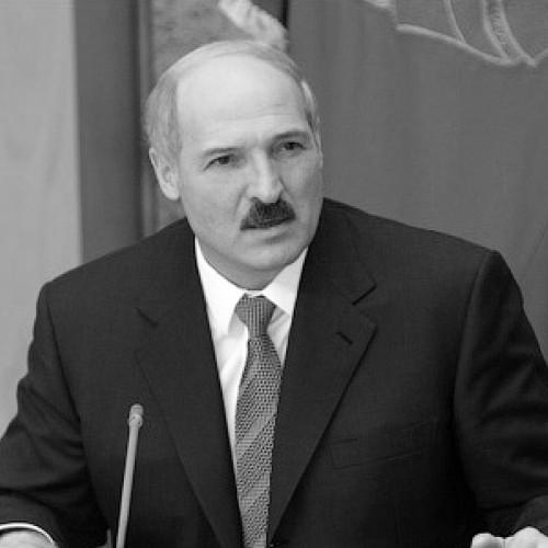 Лукашенко: «Хотел бы посмотреть, кому мы тут мешаем петь»