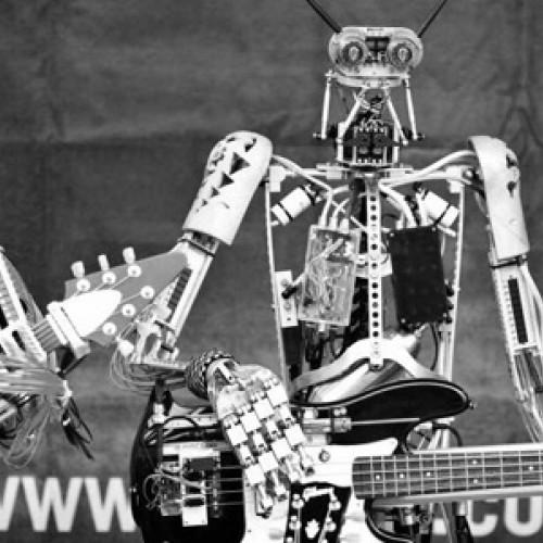 Сверчок на вокале и гитарист с 78 пальцами: самые необычные метал-группы