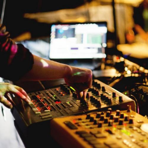 Grave Board Clan проведут серию выступлений и воркшопов, посвящённых живой электронной музыке
