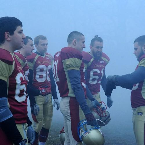 В новом клипе Brutto снялась команда по американскому футболу