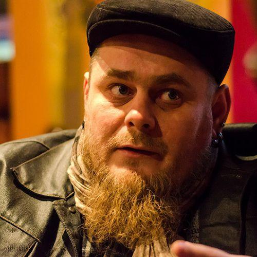 Михей Носорогов: «Жить тяжело? Да ладно! Вот тебе песня про хуй!»