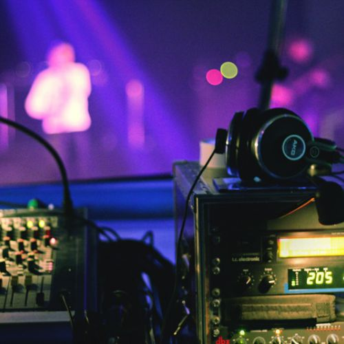 Концерт шведской синти-поп группы LOWE